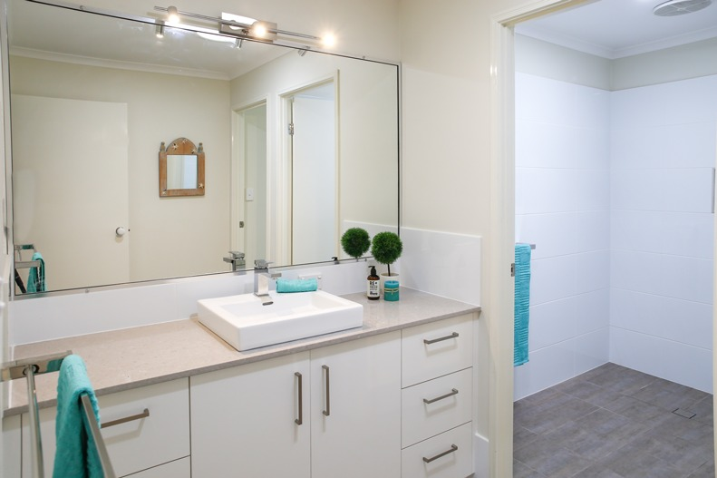 Skennars head bathroom renovation after images northern for Ensuite bathroom renovation ideas