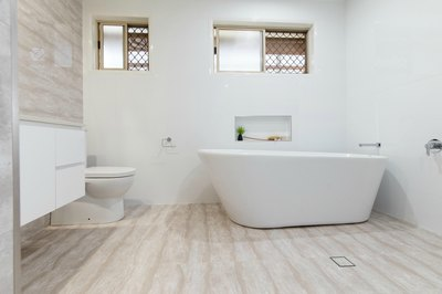 Freestanding bath tub - ensuite renovation in Ballina Renovation by Northern Rivers Bathroom Renovations (NRBR) Ballina's specialist bathroom renovator.