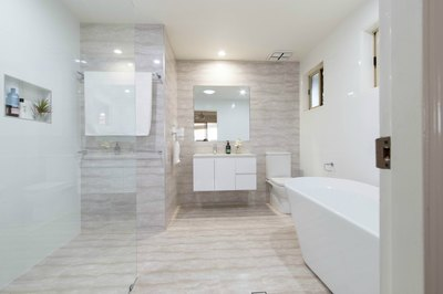 Spacious bathroom design - ensuite renovation in Ballina Renovation by Northern Rivers Bathroom Renovations (NRBR) Ballinas specialist bathroom renovator.